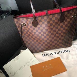 Louis Vuitton Neverfull MM Handbag